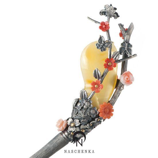 Amber hair pin, contemporary. Naschenka boutique - Korea.