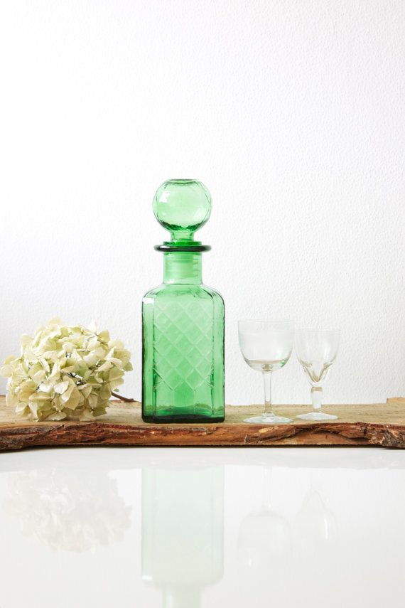 Decanter in green