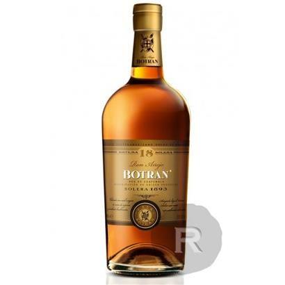 Le rhum Botran solera 18 ans est, comme l'exige la tradition de la famille Botran, élevé lentement dans les chais situés à 2300m d'altitude au Guatemala. Une autre particularité de ce rhum Botran...