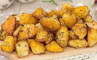 Patate alla folle al forno croccantissime e gustose come fritte