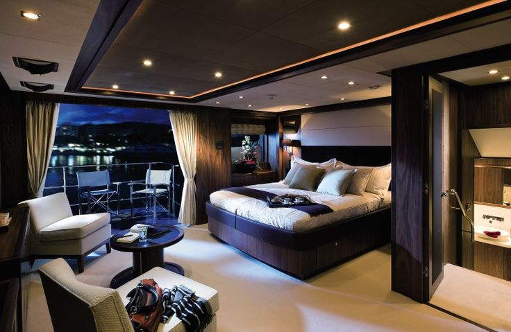 40 Metre Yacht Owners Stateroom & Optional Balcony