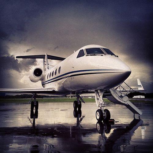 Gulfstream III #bizjet #corporatejet #privatejet #tampa #florida #teamstartliving #youshouldbehere #iphone5 #iphone #iphonephoto #avgeek #aviation #shessofine