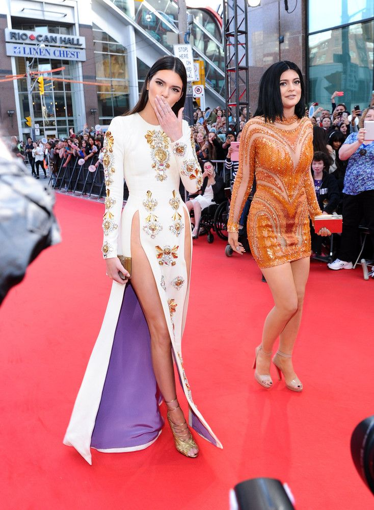 MMVA 2014 Red Carpet: Celebs Arrive For Much Music Video Awards - Kendall and Kylie Jenner