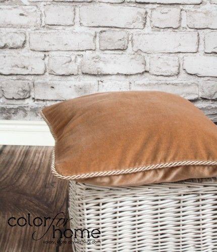 Ciemnobeżowa Poduszka Dark Beige dostępna jest w sprzedaży na http://sklep.colorforhome.pl/pl/p/Poduszka-Dark-Beige-/165