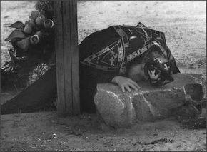 ΟΙ ΑΓΓΕΛΟΙ ΤΟΥ ΦΩΤΟΣ: ΔΑΚΡΥΑ(Αγ.Ισαάκ Σύρος)