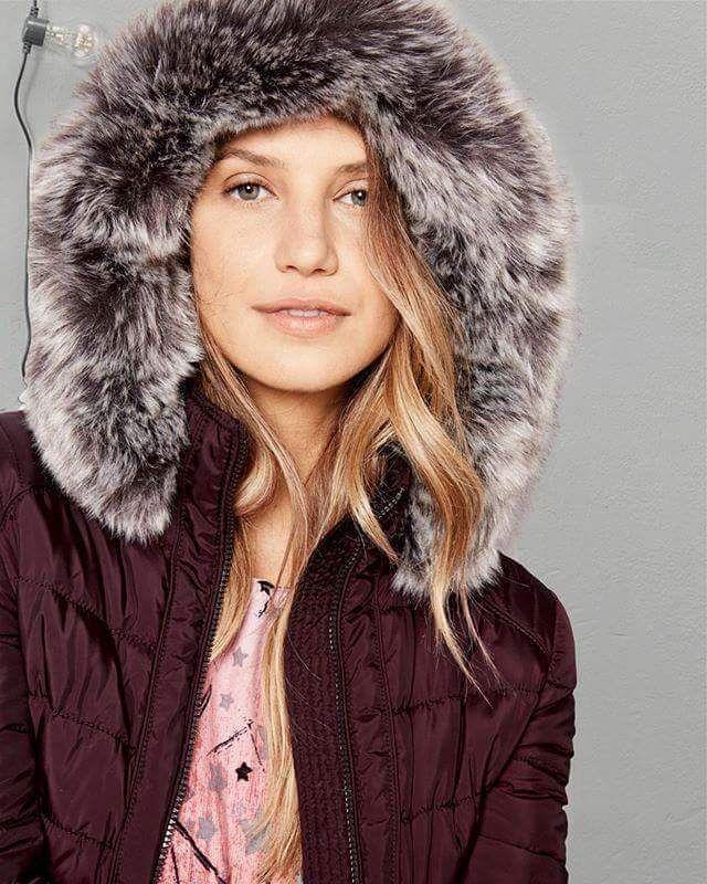 """На всю верхнюю одежду в """"Тайфун"""" скидка до -50% 😍. Гип-гип ура сезонной распродаже!  #taifunodessa #taifunfashion #gerryweber #outdoor #sale #womensclothing #women #mantel #coat #тцафина #куртка #пальто #верхняяодежда #женскаяодежда #одесса #шоппинг #украинашоппинг #одессашоппинг #скидки #распродажа #люблюскидки"""