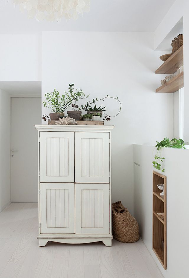 my scandinavian home: Small space inspiration: a light-filled home in rural Israel