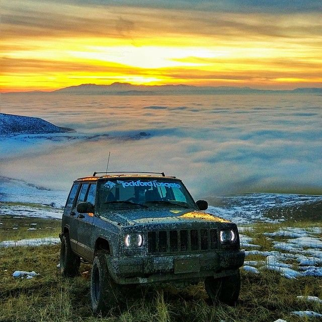 This is one of the sickest photo I've seen in a while. Photo cred to @carlsen6 and his #xj #jeep #jeeps #haloeyes #sunset #JEEPFLOW