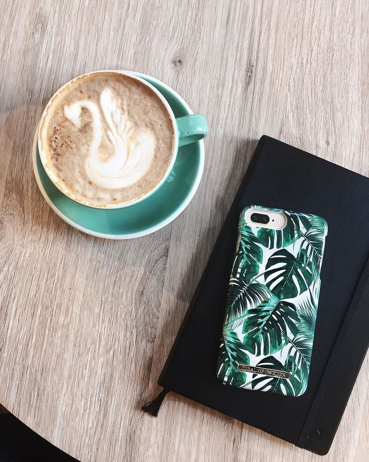 Monstera Jungle by lovely @celineemb - Fashion case phone cases iphone inspiration iDeal of Sweden #monstera #green #pattern #fashion #inspo #iphone #jungle