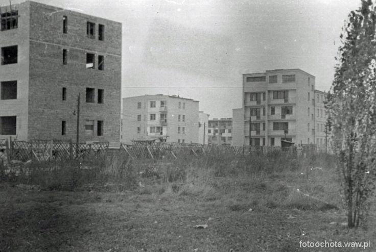 Warszawa Rakowiec  Trojdena 5 już gotowy ale ulicy jeszcze nie ma. Tu spędziłam moje dzieciństwo.