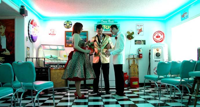 Yes this is someone else's wedding, BUT still, I WILL be getting married in the DooWop Diner in Las Vegas baby!  Elvis and all <3