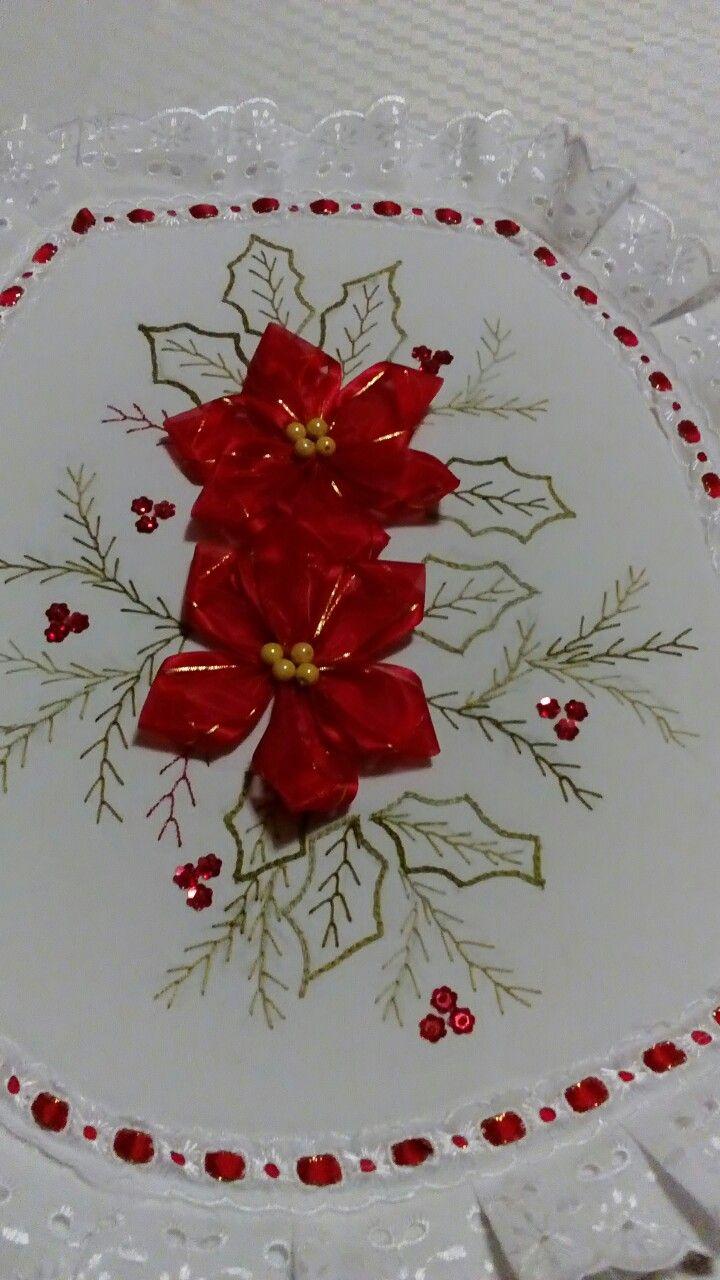 Bordado con flores superficiales