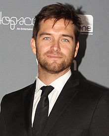 Antony Starr (born 25 October 1975) is a New Zealand television actor best known for his dual role as twins Jethro and Van West in New Zealand's hit comedy/drama Outrageous Fortune.