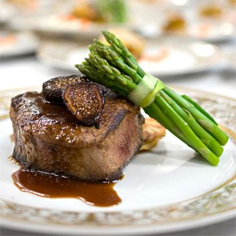 Organic and sustainable fare is an undeniable food trend and many brides are looking to find a way to make sure their wedding menus follow suit. Here, top New York City caterer Great Performances offers dish ideas for all seasons.  Green Wedding Menus