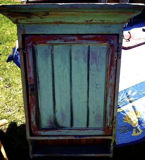 armoire antique La boite à Pin