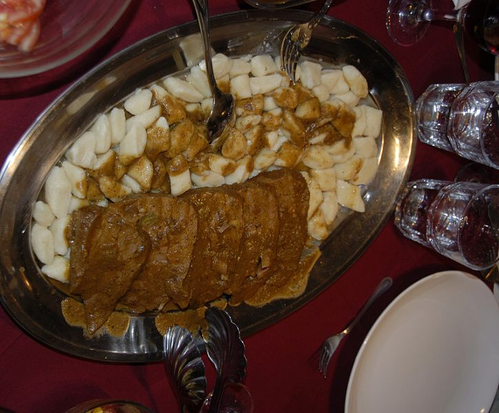 v Milně nás čeká kapitánská večeře, jedním z chodů je i pašticáda s noky
