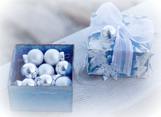 Mitt Lille Papirverksted: Visions of Sugarplums - Little Blue Gift Box