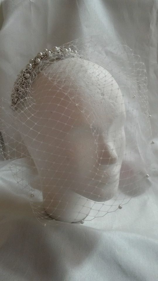 Birdcage veil with beaded diamante and pearl comb