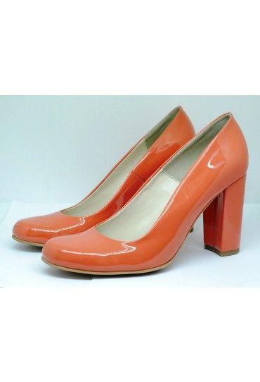 #Pantofi din #piele #orange, pentru tinute colorate si pline de viata.
