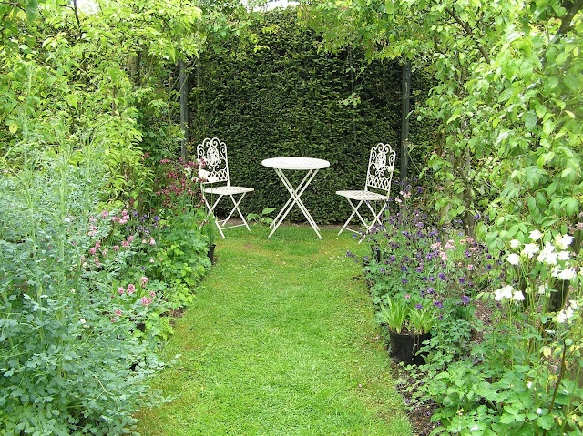 IN DE POLDER: nog wat engelse tuinen