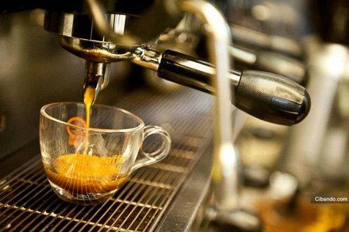 ☆ PRENDIAMOCI UN CAFFÈ ☆ Amici …..facciamo questa gustosissima pausa!Chi non ama il caffè dopo pranzo!?! È un classico di tutte le famiglie e allora……buon caffè ♥ A tra poco con altri tutor del fai da...