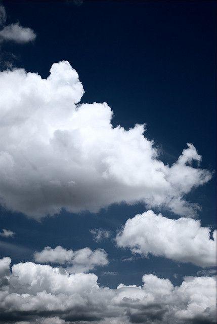 Luis Alejandro Bernal - Nubes