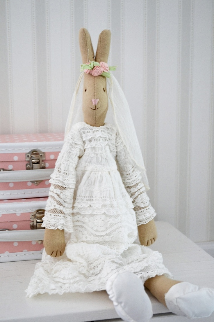 Maileg bride bunny