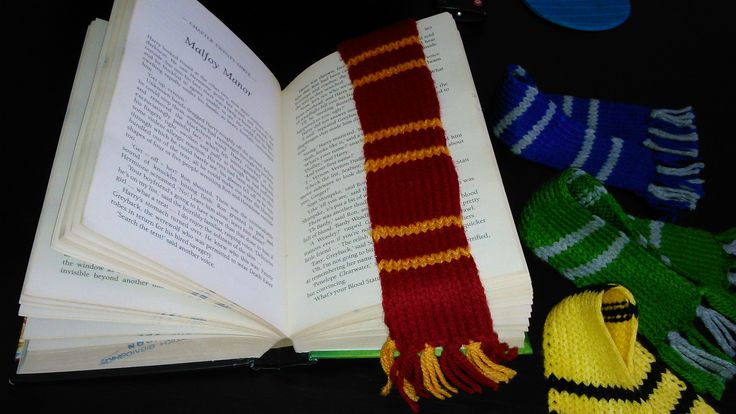 Harry Potter hand-knitted Gryffindor House bookmark scarf!