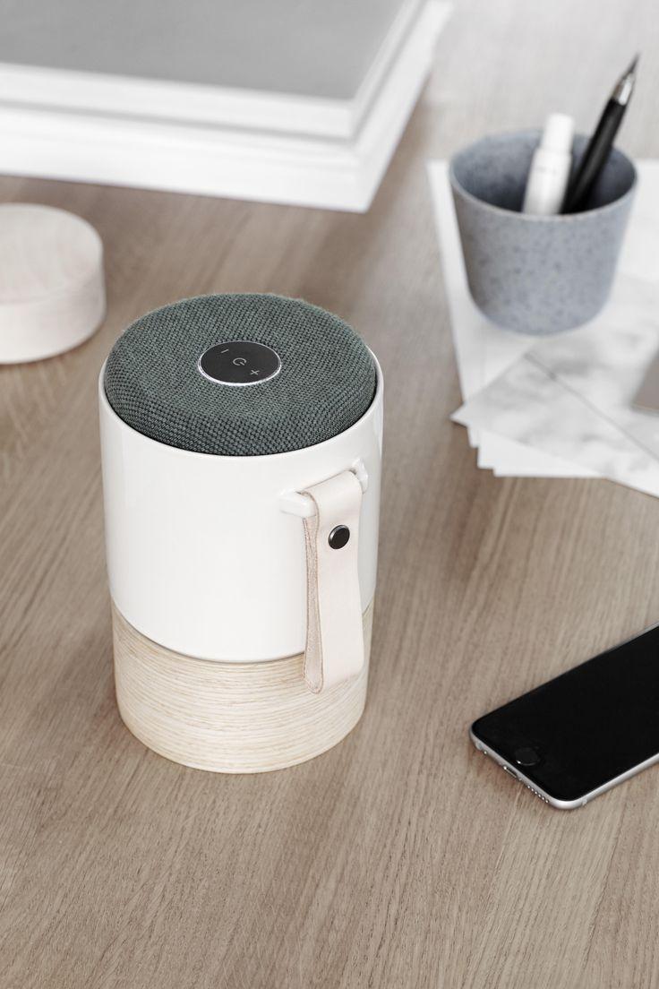 KÄHLER + SYSTEM AUDIO. Fyll hjemmet med stemningsskapende musikk, vakkert innpakket i prisbelønnet dansk design. Gratis frakt på www.multitrend.no