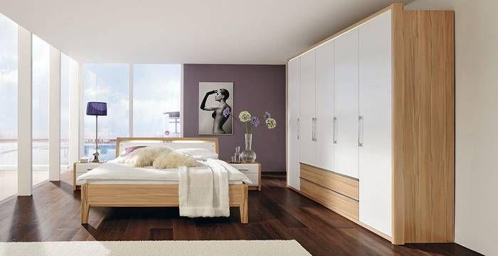 Schlafzimmer LA VIDA in Kernbuche Nachbildung und Lack Weiß, Drehtürenschrank 5-türig, ca. 250 x 222 x 62 cm, mit 2 Schubkästen, Doppelbett: ca. 180 x 200 cm, Nachtschränke: ca. 64 x 45 x 42 cm, mit 2 Schubkästen