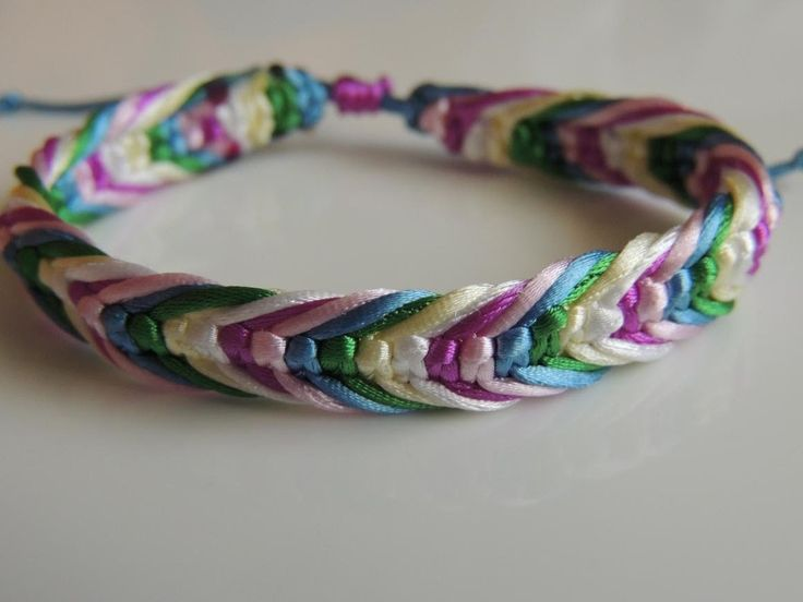 DIY pulsera macrame con varios hilos .How to make Bracelet Frienship.