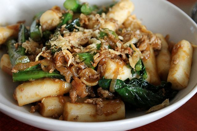 Momofuku's Spicy Pork Sausage and Rice Cakes with Chinese Broccoli and ...
