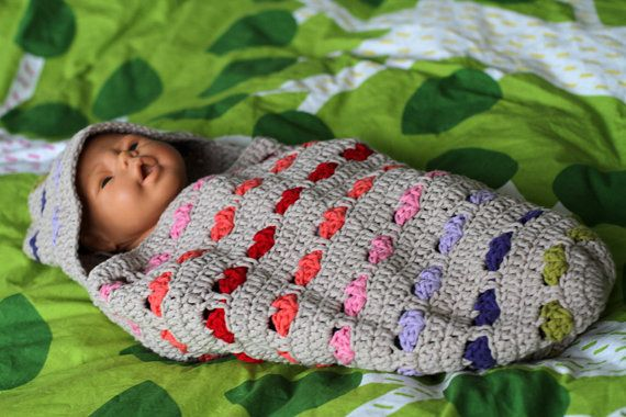 Haakpatroon voor babycocon slaapzak met hartjes door MetStipGehaakt