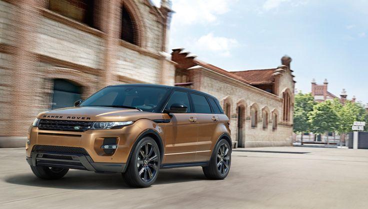 Für urbane Entdeckungstouren steht der Range Rover Evoque in drei einzigartigen Ausstattungsvarianten zur Verfügung: