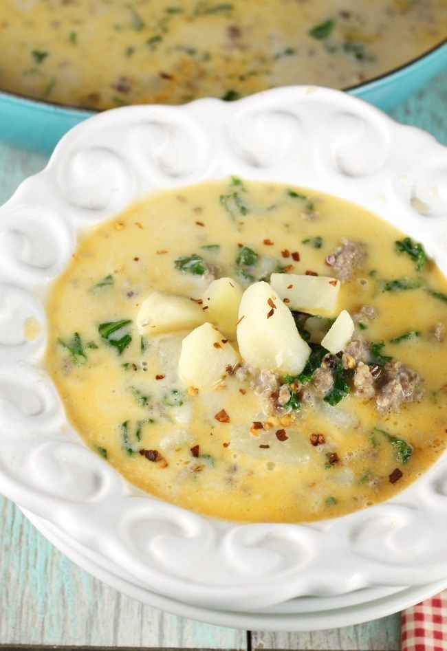 Tuscan Sausage Potato Soup Recipe ~ MissintheKitchen.com #recipe #soup #tuscan