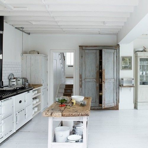 Farmhouse kitchen by Marion WD
