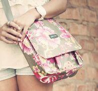 wylder jane jesse jane messenger bag. an artsy fashion bag for the creative woman. #messengerbag #stylishmessengerbag #oilcloth #handbag