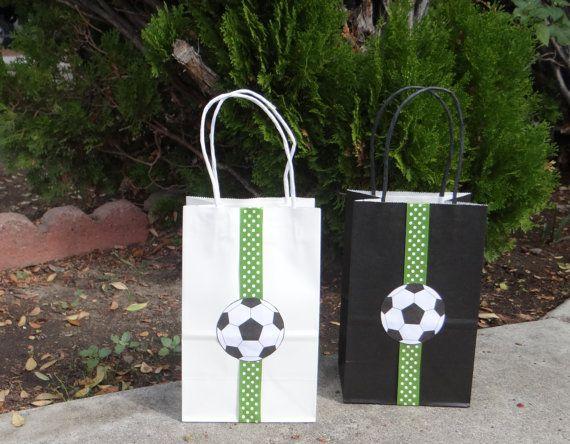 Fútbol cumpleaños fiesta tema Favor bolsas por FantastikCreations