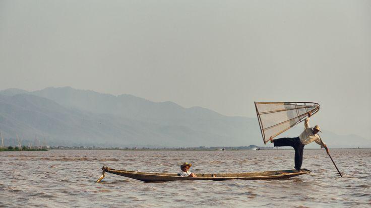 Pescador Intha no lago Inle