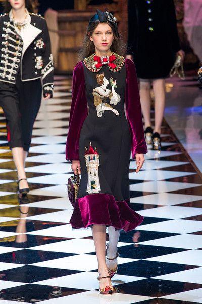 Dolce & Gabbana at Milan Fashion Week Fall 2016 - Runway Photos