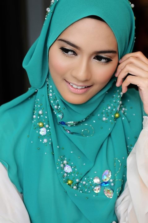 Turquoise hijab