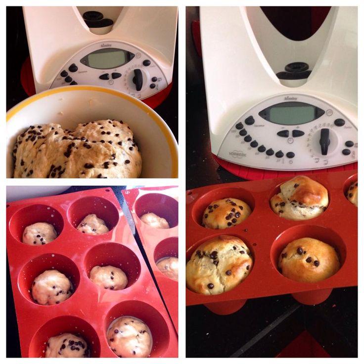 Pangoccioli Bimby, più buoni di quelli che si comprano! Ecco la ricetta; ingredienti: 250 gr di farina 0, 250 gr di farina 00, 125 ml di latte, 125 ml di acqua...