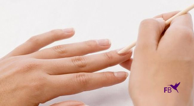 Nagelriemen Verzorgen En Terugduwen