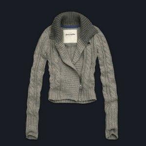 grey sweaters in the fall <3