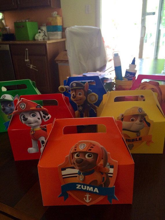 Paw Patrol gable boxes are perfect for take home treats for your guests. You get 1 per order. Traditional gable boxes can come with a paw patrol action shot or paw patrol character badge. Colors coordinate with character color unless otherwise specified. Each image is cut on 110 lb cardstock. Convo me with any questions. Boxes measure 6.25 wide by 3.5 deep and 6 inches high. Each come with a dog bone shaped name tag.  * note If you order multiple boxes please detail in the buyers notes what…