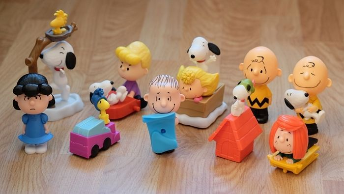 Snoopy Charlie Brown Peanut Movie 2015 McDonald Happy Meal Completed Set of 10   | eBay