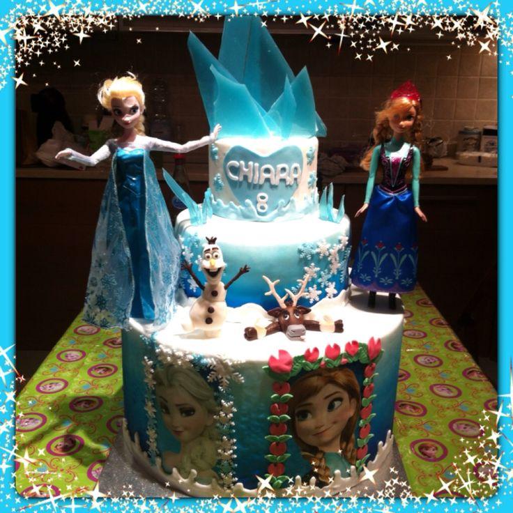 Torta Frozen x la mia bambina #torta #Frozen #chiryscakes #disney #cakedesign #Elsa #Anna #Olaf #Sven #fondant #compleanno #birthday