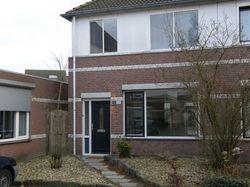 TE HUUR: Nette 2-onder-1-kap-woning Nemerlaerhof in Helmond