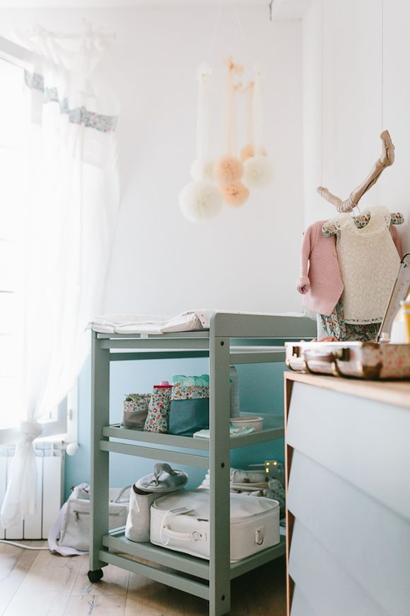les 25 meilleures id es concernant table langer de b b sur pinterest tables langer table. Black Bedroom Furniture Sets. Home Design Ideas