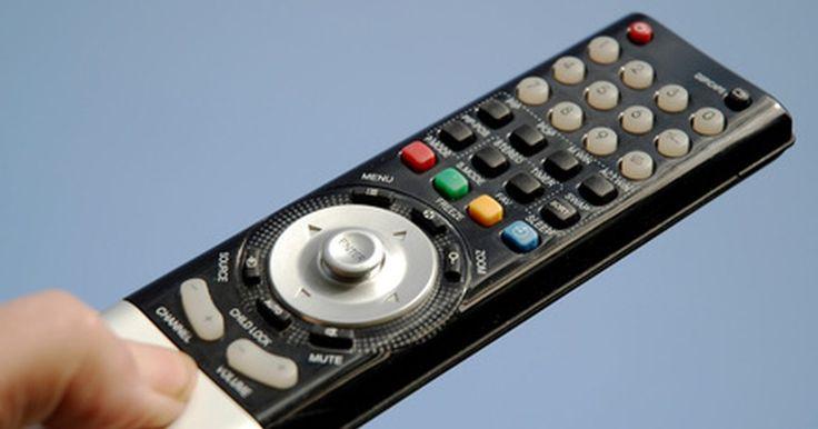 Cómo configurar un Sony Bravia a 1080p. Si bien hay muchos modelos de televisores de alta definición Sony Bravia en el mercado, no todos soportan la resolución 1080p. Para ver contenido de alta definición debes tener una fuente de alta definición, como un dispositivo de cable de alta definición, y la fuente debe estar conectada al televisor mediante un cable HDMI o cables componentes. ...